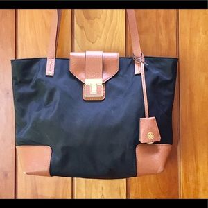 Tory Burch Tote Leather and Nylon SO NICE!